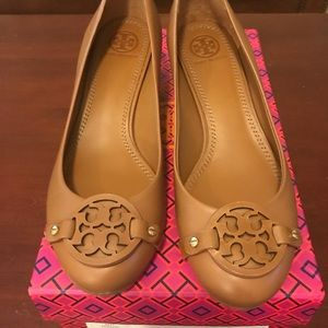 e74898af9fd2 Women s Tory Burch Shoes Outlet on Poshmark